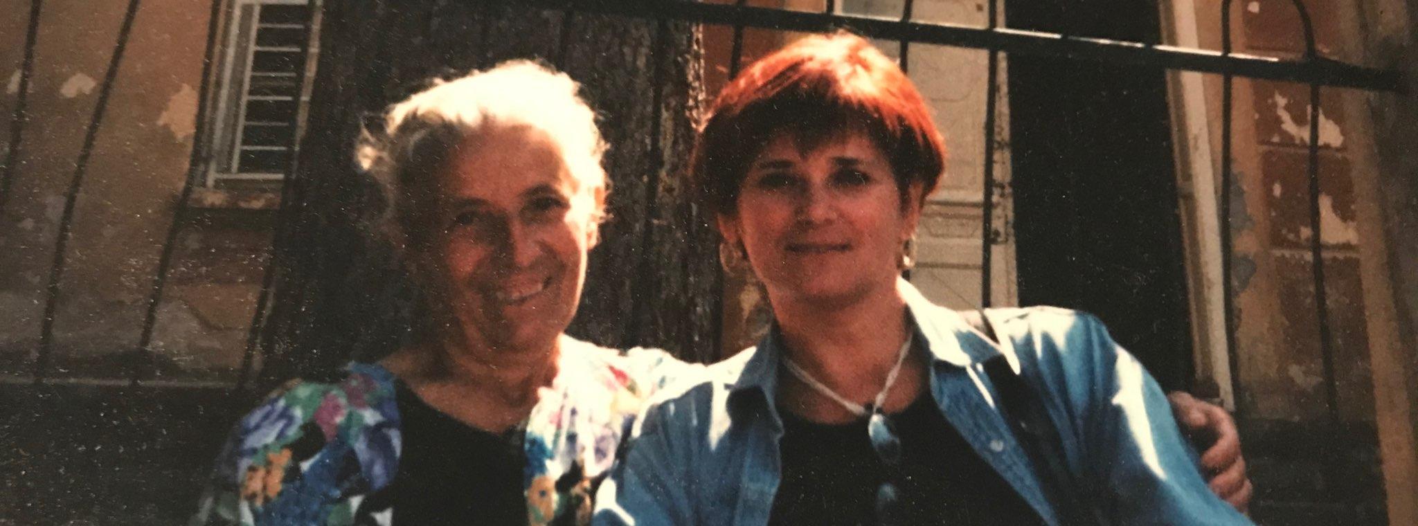 Irina Sedakova välitöödel Bulgaari külas Stakevtsi, Vidini regioonis (2001). Erakogu.